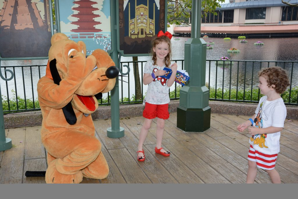 PhotoPass_Visiting_Epcot_7959306444